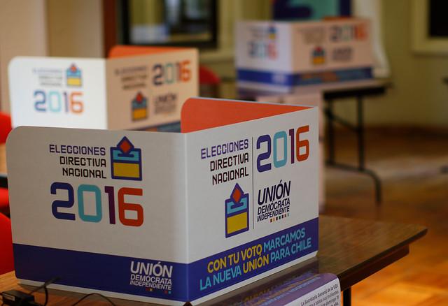 Elecciones UDI: problemas con el voto electrónico marcan las primeras horas