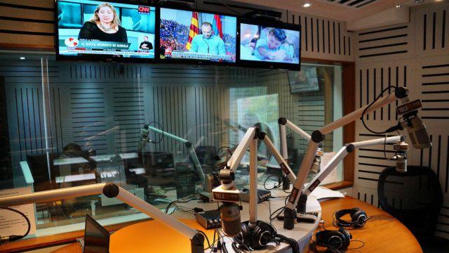 Periodistas de Canal 13 renuncian a T13 Radio tras suspensión de pago de bono por servicios