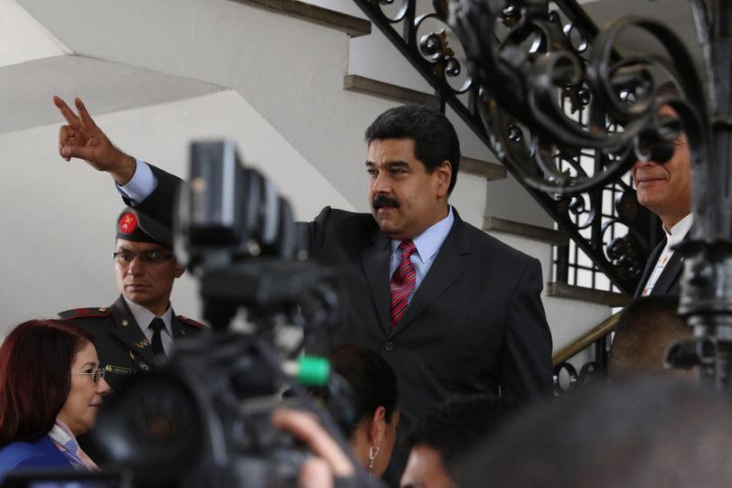 """Oposición venezolana hará presentación contra Maduro para declararlo en """"abandono del cargo"""""""