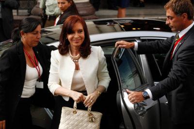 """""""Caja chica"""" de administración CFK bajo la lupa: smart TVs, piscinas, y discordancias de 500%"""