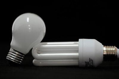 """Ministerio de Energía anuncia el fin del cobro de """"corte y reposición"""" en las cuentas de la luz"""