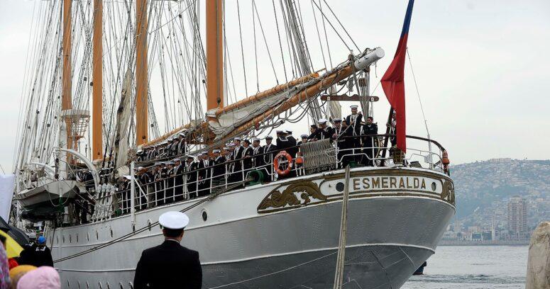"""""""Comandante de la Armada asegura no haber estado en conocimiento de nuevo escándalo en La Esmeralda"""""""