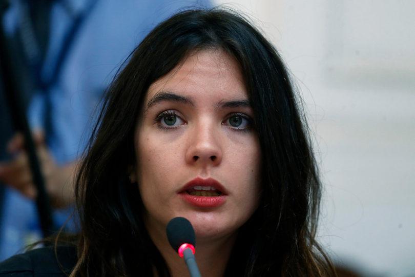 """Camila Vallejo anuncia su repostulación: """"Tenemos la idea de crecer la representación del PC en el Congreso"""""""