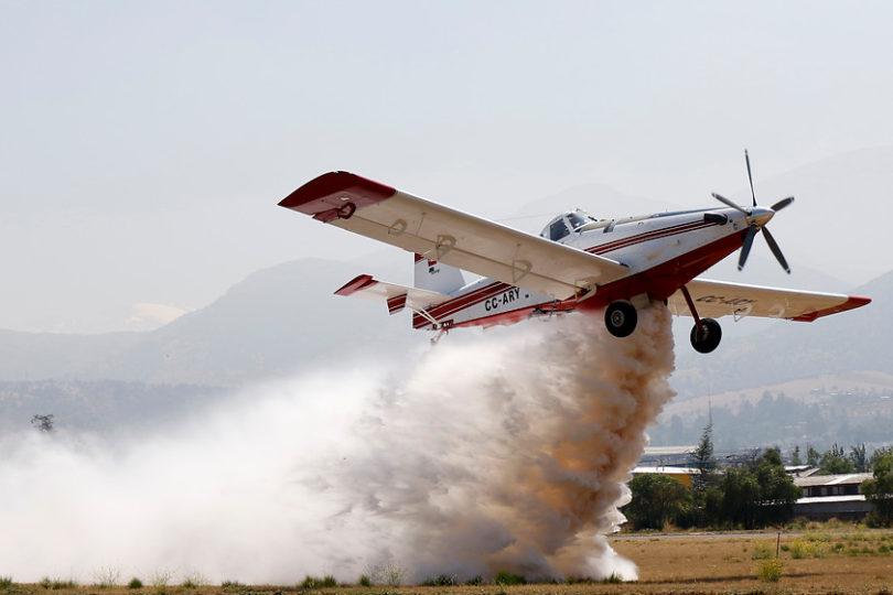 """Conaf le 'echa el avión abajo' a Fernando Villegas por incendios: """"No tiene sentido seguir comprando naves"""""""