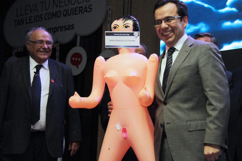 """Ñuñoa descarta sanciones a funcionario tras protesta del Movilh: """"Existe libertad de expresión en redes sociales"""""""