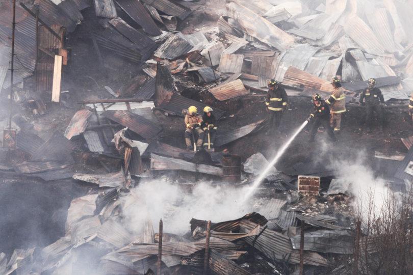 Vecino denuncia cuál fue la respuesta de Bomberos cuando alertó del incendio en Valparaíso