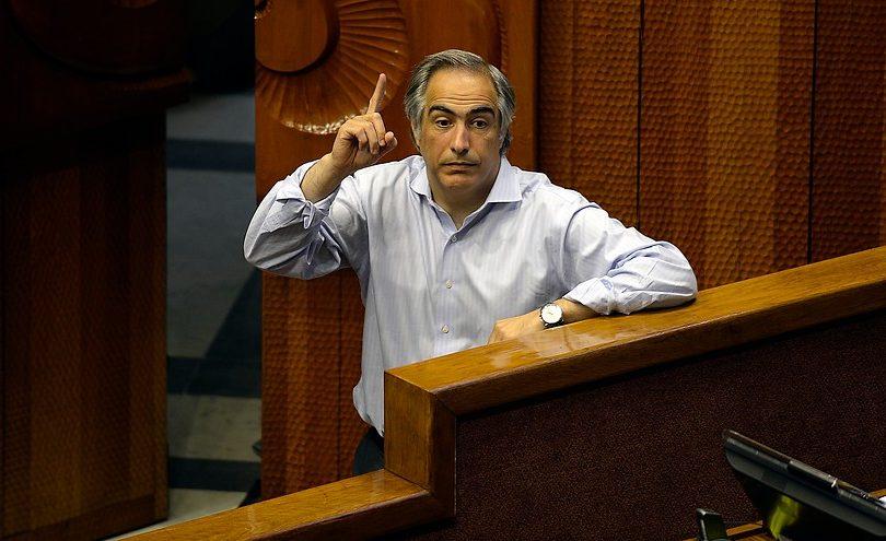 Senadores RN piden convocar sesiones extraordinarias para despachar proyecto de Conaf pública