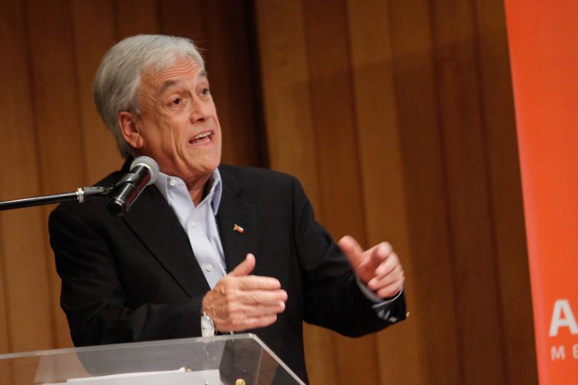 """Piñera tras CEP: Si continúa la Nueva Mayoría en el gobierno pasarán de """"tropiezo"""" a """"porrazo"""""""