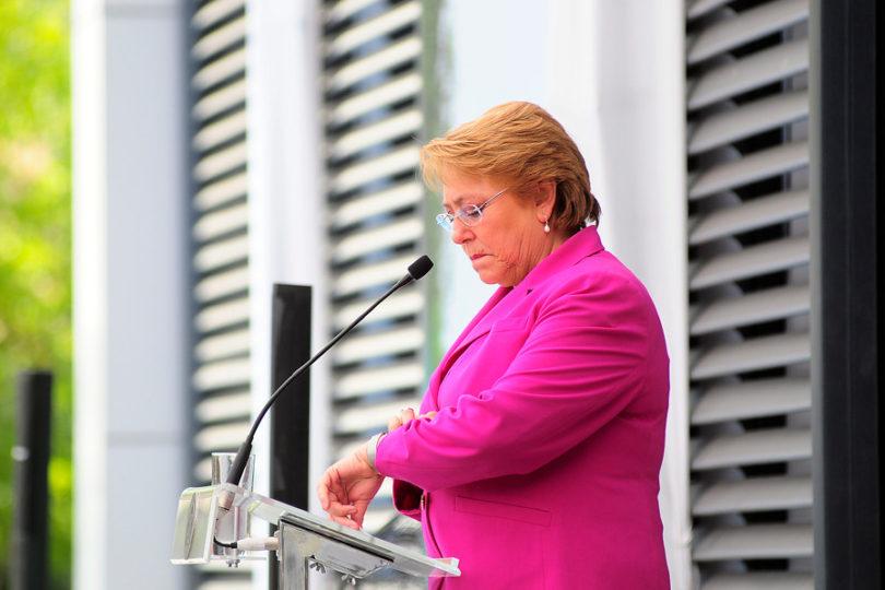 Human Rights Watch incluye la querella de Bachelet a Qué Pasa como uno de los hitos del 2016