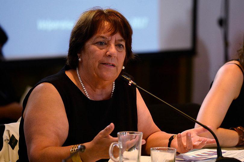 """Ministra Delpiano preguntó si las familias """"que lloraron con la gratuidad"""" fueron a votar y Chile Vamos le dijo de todo"""