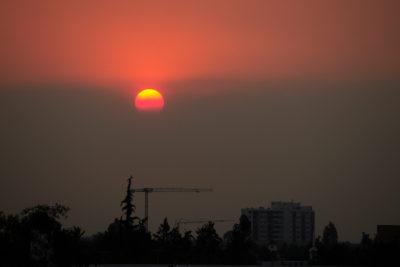 Santiago despierta bajo nube de smog y se espera máxima de 38 grados