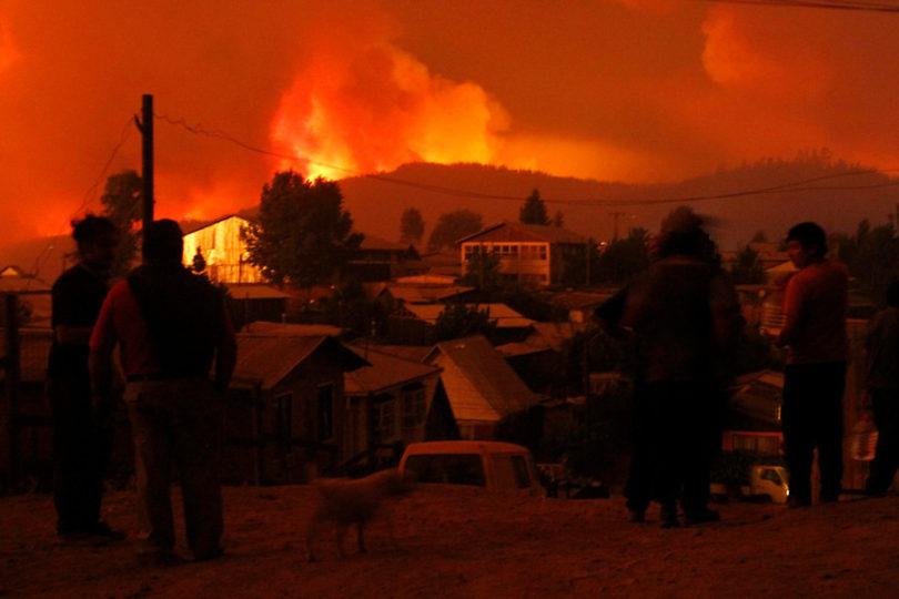 """Desmienten """"corte general de electricidad"""" por incendios tras masificación de mensaje de Whatsapp"""