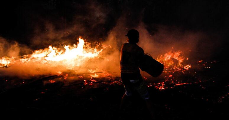 """""""Onemi: de incendios activos, 77 se encuentran en combate y 51 están controlados"""""""