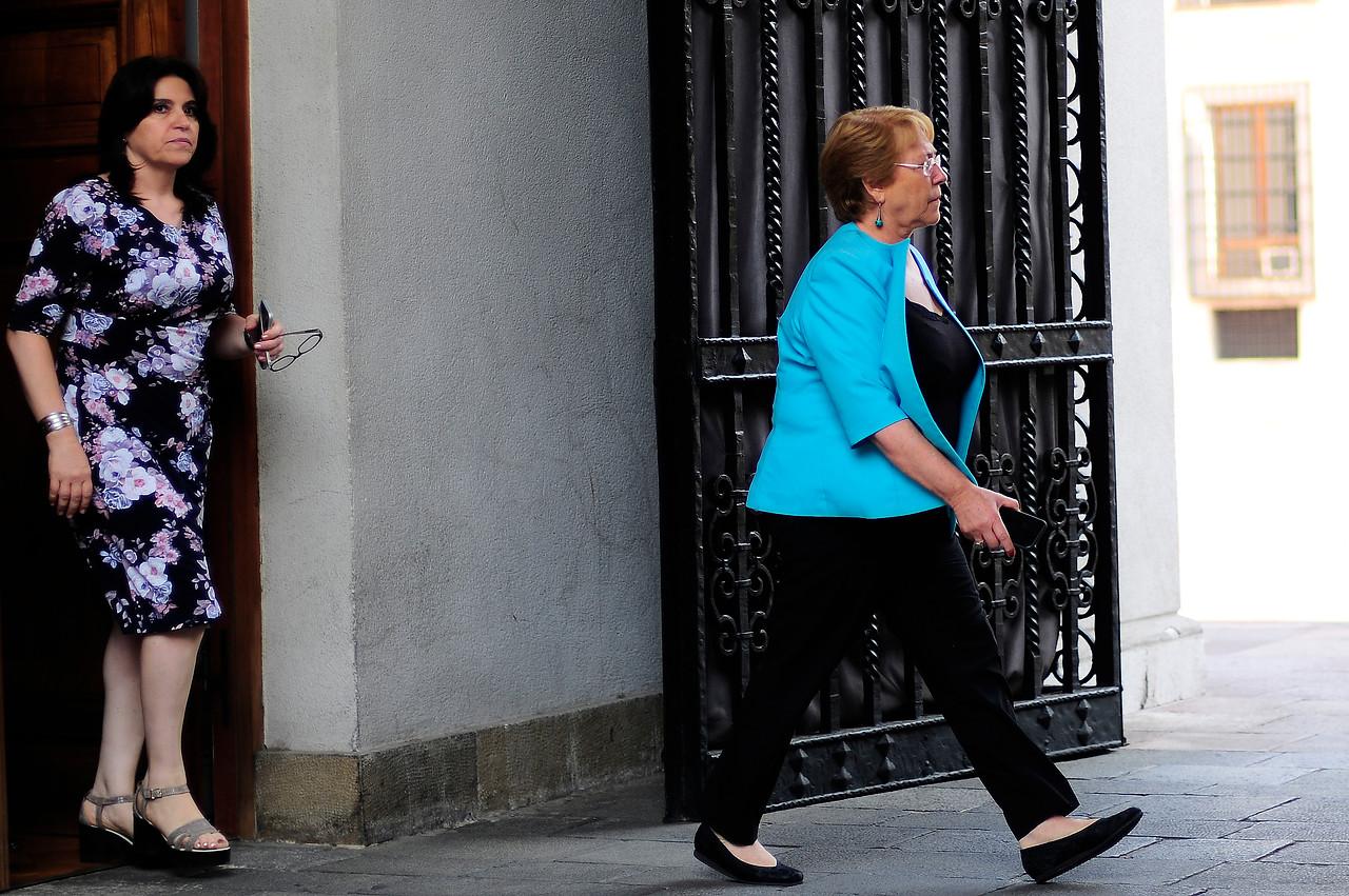 Revista Veja asegura que firma brasileña indagada por corrupción habría financiado campaña de Bachelet