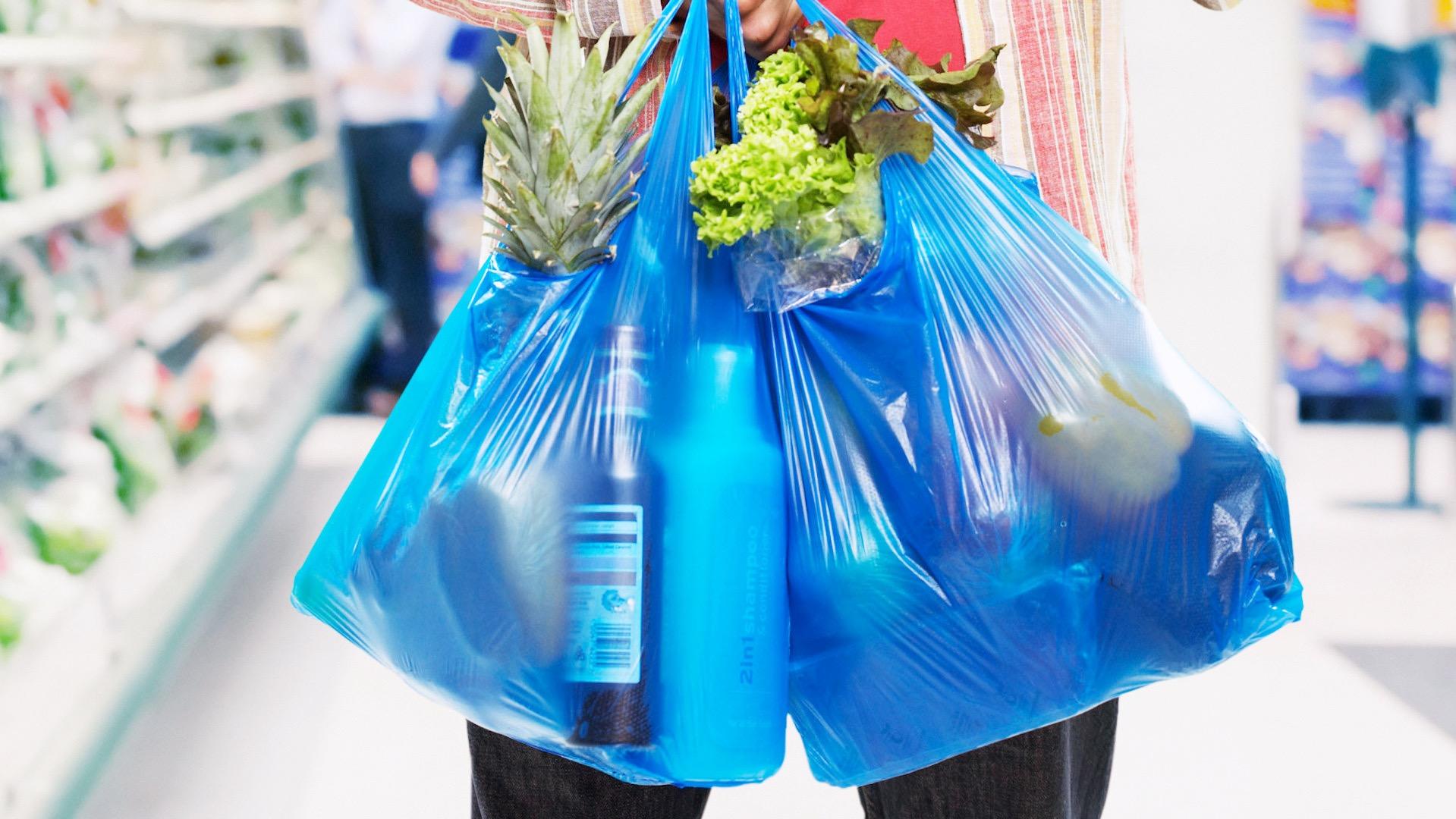 Antofagasta cada vez más verde: restringen uso de bolsas plásticas en los supermercados