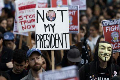 VIDEO | Violentas protestas y saqueos durante la asunción de Donald Trump