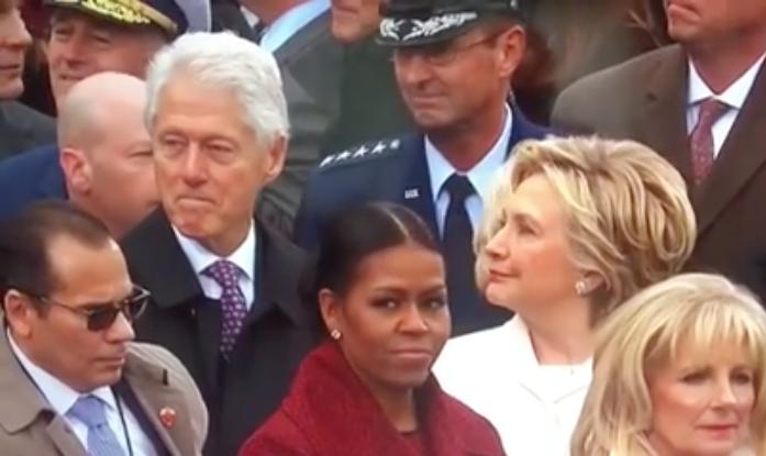 VIDEO |Bill Clinton habría sido captado mirando a Ivanka Trump durante cambio de mando