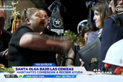 VIDEO |El momento exacto en que madre de bombero fallecido encara a ministra Narváez