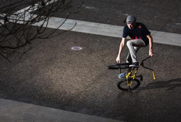 Conoce a Benjamín Hudson, rider de BMX Fatland: el deporte extremo que suma cada vez más fanáticos en Chile