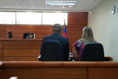 Insólito: ex trabajadora demanda a Banco Security por despedirla debido a que tiene hijo gay y con VIH