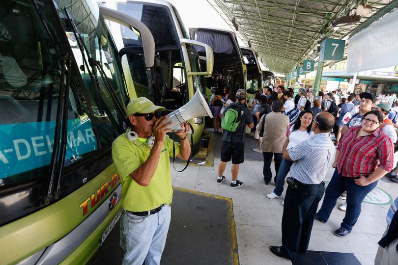 Boric funa a conocida empresa de buses por supuesto aumento en precios de pasajes a Valparaíso