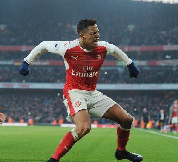 VIDEO   El gesto que tuvo Alexis Sánchez con los hinchas del Arsenal tras su gol de la victoria