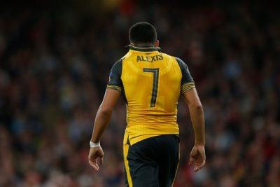 Las razones del ex ídolo del Arsenal para asegurar que Alexis Sánchez se quedará en Londres