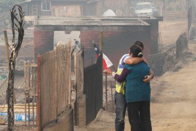 Cómo mitigar el daño psicológico causado por los incendios forestales: tips para superar el trauma