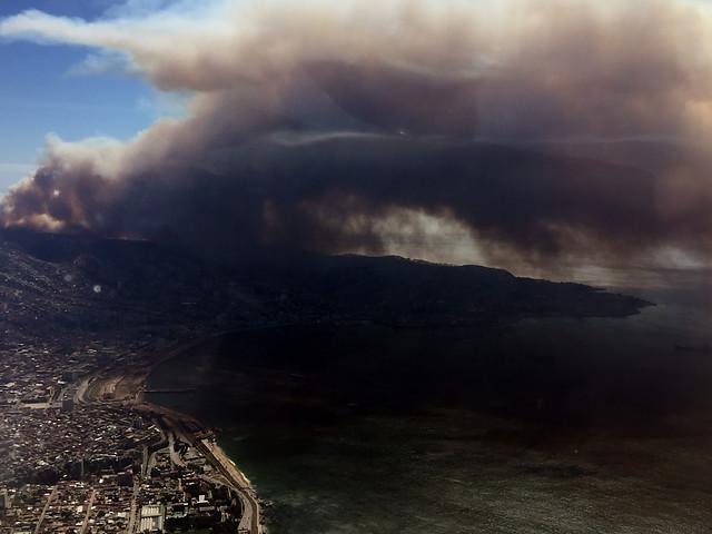 Incendio en Valparaíso deja al menos 50 casas destruidas: más de 400 personas evacuadas