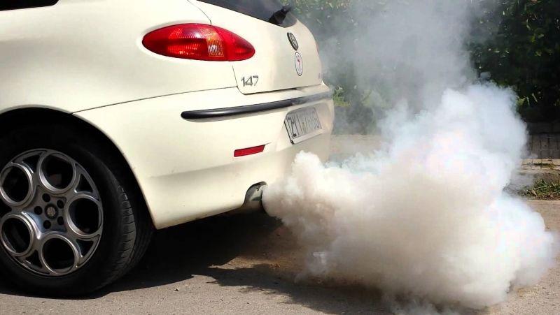 """Donald Trump reducirá regulaciones a fabricantes de automóviles: """"El ecologismo está fuera de control"""""""