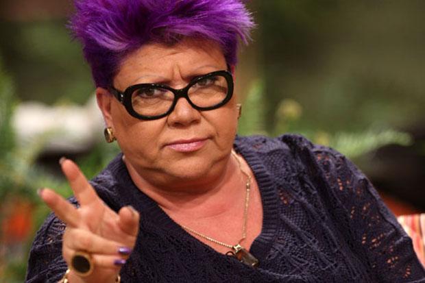 """Ocho imágenes de la """"tetada por el respeto"""" en el frontis de TVN tras declaraciones de Patricia Maldonado"""