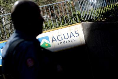 """Aguas Andinas descarta negligencia de empresa tras masivo corte de agua: """"Hemos hecho lo correcto"""""""