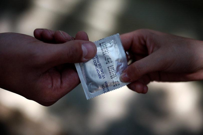 Día Internacional del Condón: 8 mil personas en Chile tienen VIH sin saberlo