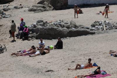 """Armada autoriza construcción de polémico muro en playa Los Lilenes: terrenos del balneario son """"privados"""""""