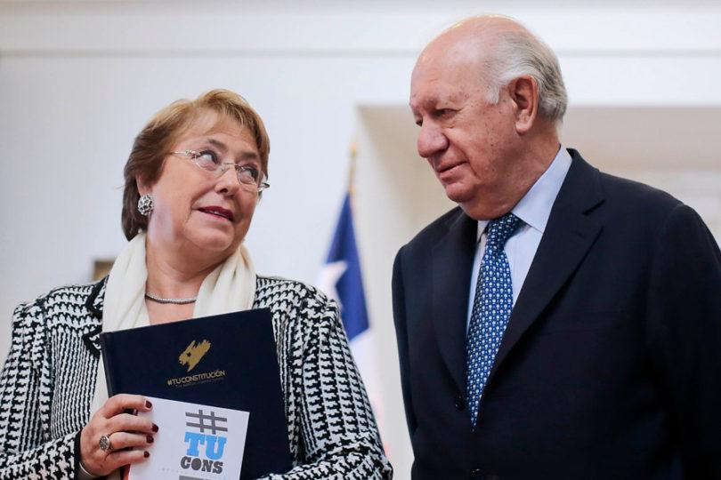 """Amplitud por los 10 años del Transantiago: """"El fracaso tiene una madre y un padre, Bachelet y Lagos"""""""