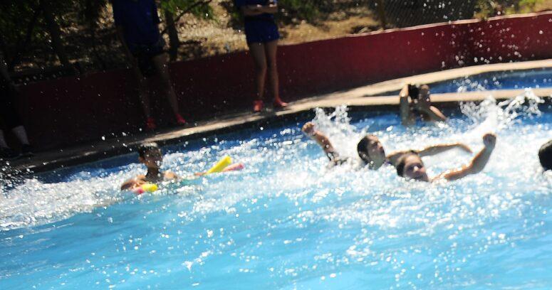 """""""Justicia rechaza recurso a hija de asesora del hogar discriminada en edificio por uso de piscina"""""""