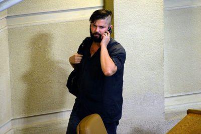 """La respuesta de Boric y la Armada ante acusaciones UDI de usar patrullera para """"viaje familiar"""""""
