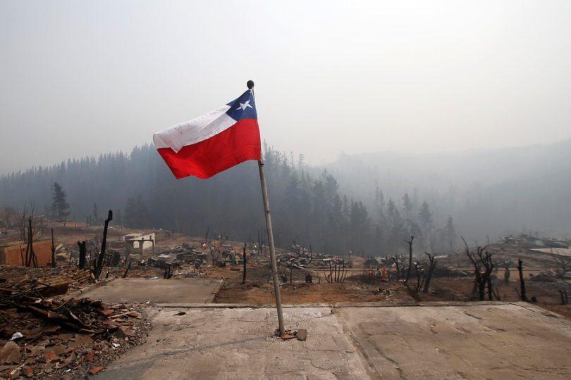 Santiago entregará 100 becas en el INBA a estudiantes afectados por incendios forestales