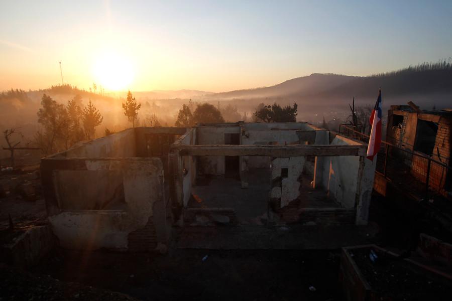 Ministerio de Hacienda descartó subir los impuestos para financiar reconstrucción tras incendios