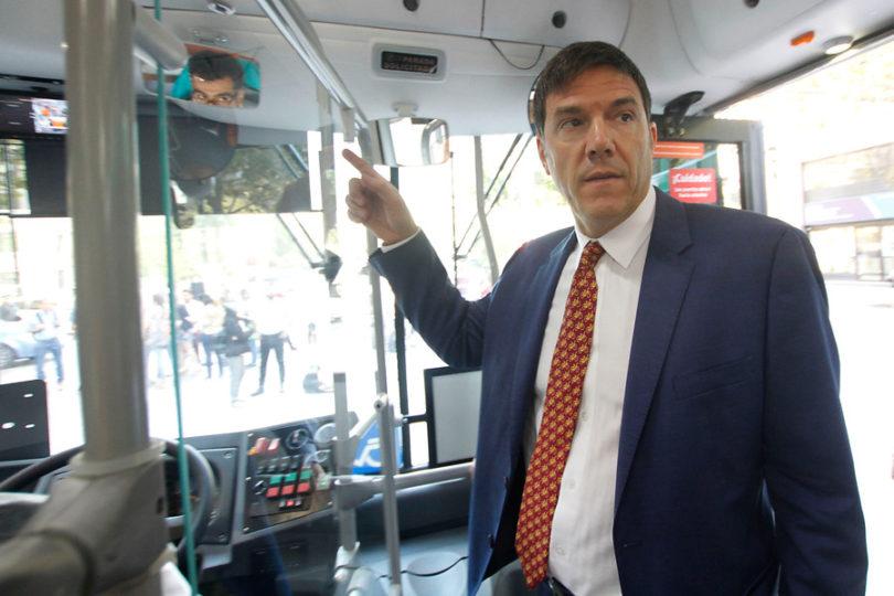"""Easy Taxi se suma a la polémica entre Transportes y los taxistas: """"Gómez-Lobo no tiene idea"""""""