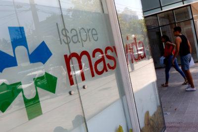 Policía de Investigaciones llega a oficinas de Masvida para incautar contabilidad de la Isapre