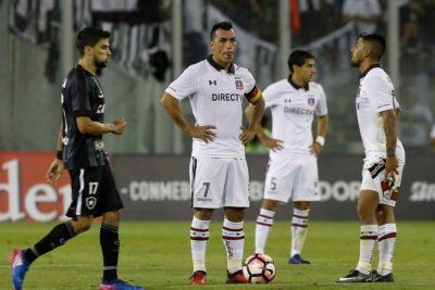 FOTO | Los mensajes de Botafogo que hicieron estallar a los hinchas de Colo Colo tras la eliminación