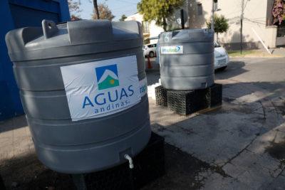 Aguas Andinas reconoce problemas de reposición de servicio en 8 comunas de la Región Metropolitana