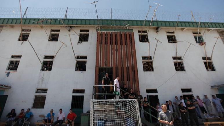 Gendarmes de Colina II en paro denuncian que reos los amenazaron de muerte