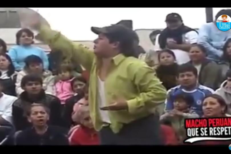 VIDEO |Rutina de humor callejero en Perú saca aplausos con bromas a los chilenos