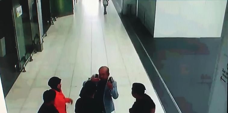 VIDEO   Filtran las primeras imágenes del brutal envenenamiento que sufrió hermano de Kim Jong-un