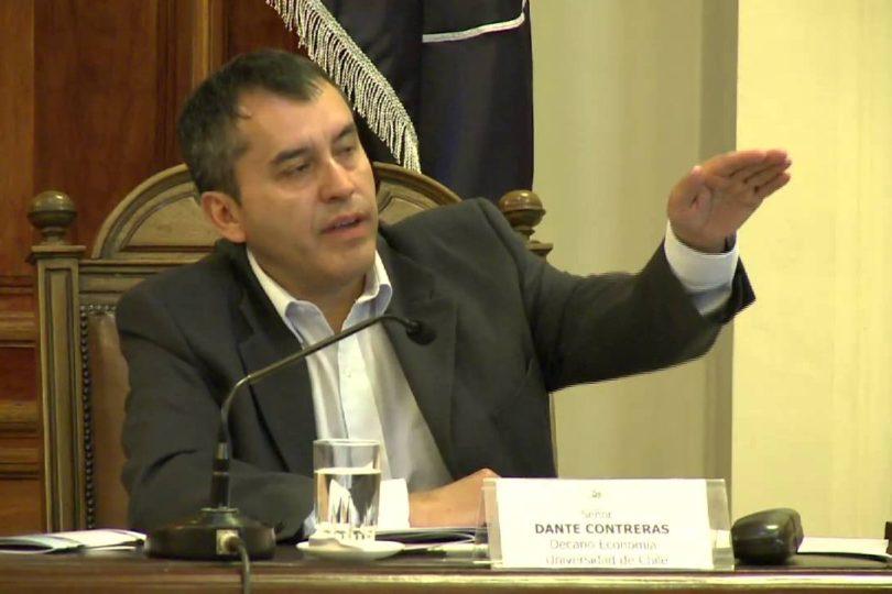"""Economista U. de Chile asegura que """"no hay evidencias empíricas"""" de que reformas afecten el crecimiento"""
