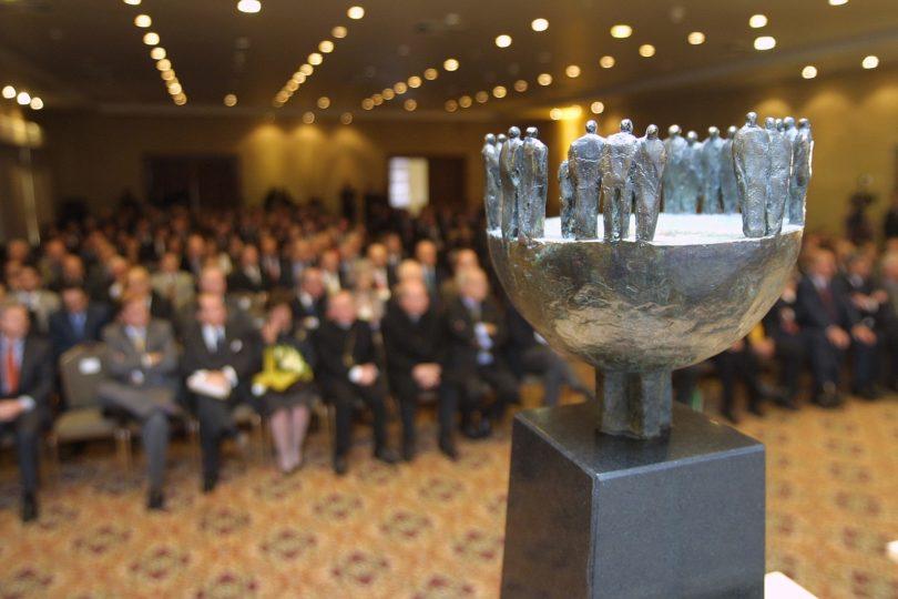 ACHS y Fundación Carlos Vial Espantoso llaman a empresas a postular a premio que evalúa sus relaciones laborales