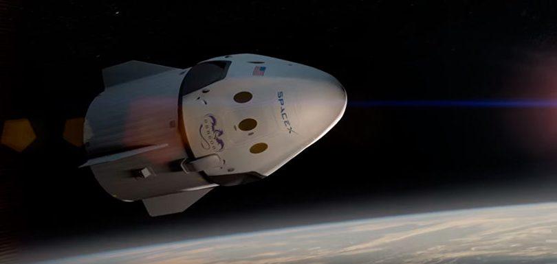 Compañía espacial anuncia el primer viaje turístico a la Luna en 2018