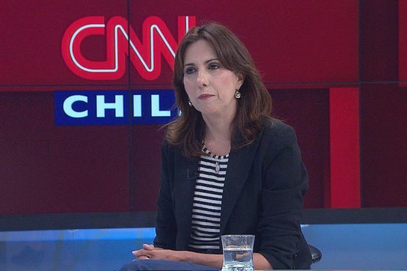 Movilh llega hasta la sede del PRI a solicitar renuncia de Alejandra Bravo